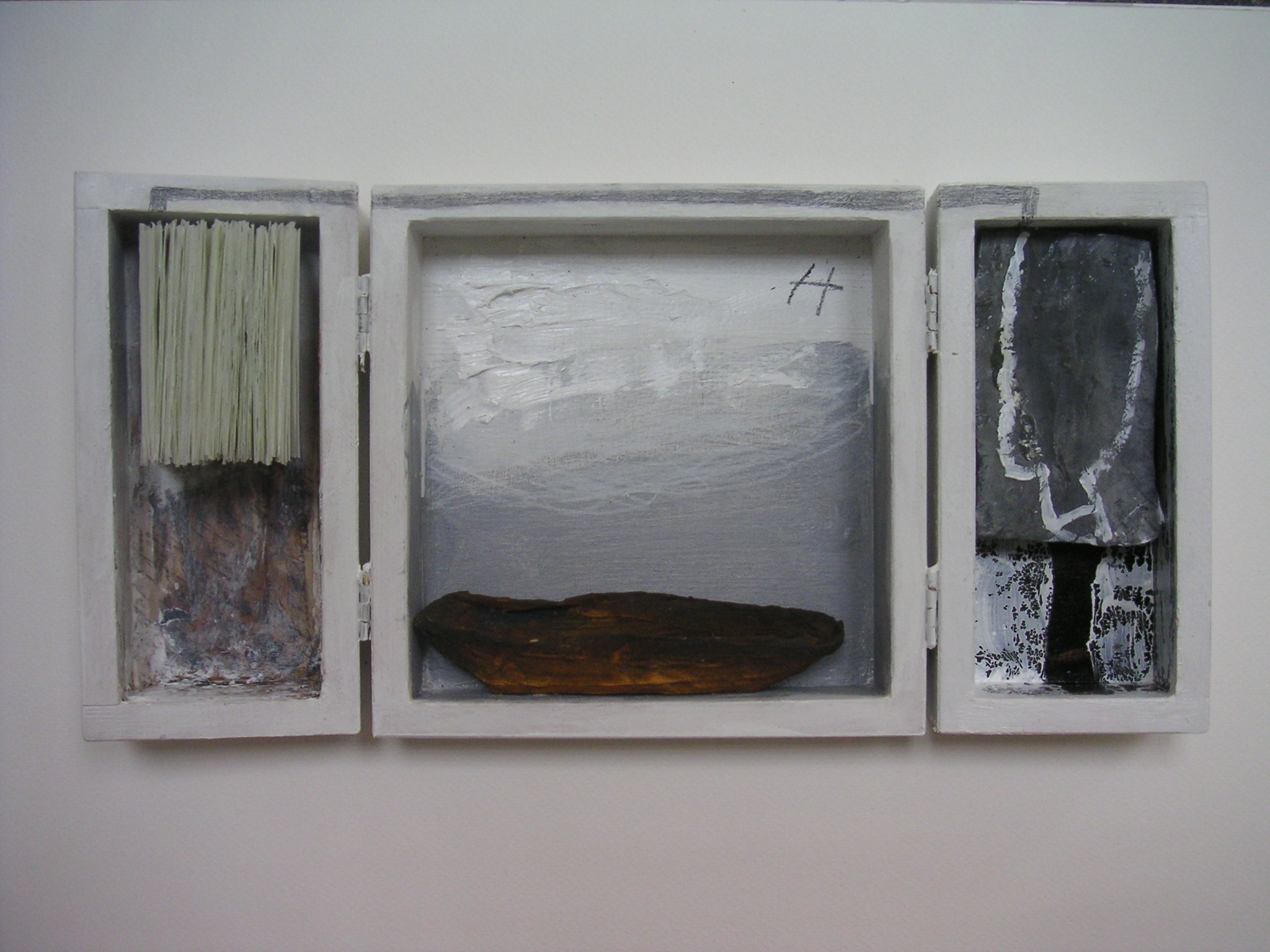 o.T., 2009, Objekt-Klappkasten, 30 x 15 x 2,5 cm
